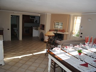 - Casa di campagna in collina vista mare con piscina e vasca idromassaggio