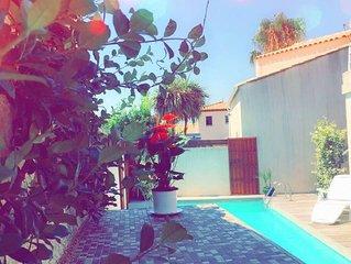 Grande villa avec jacuzzi, piscine et  jardin à 200 m des plages
