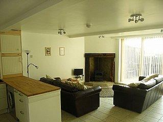 2 Bedroom Cottage, Littleborough, Nr. Rochdale, Lancashire - Peaceful Location