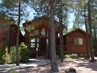 Gorgeous Cabin in woods, perfect for escaping summer heat!