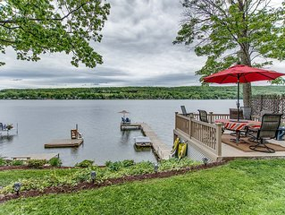 Lakeside Getaway on Waneta Lake, lovely 2 bedroom 1 1/2 bath, sleeps 6