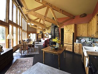 Gorgeous Boutique Ranch (Pet-friendly!) Next to  skiing, fishing, rafting