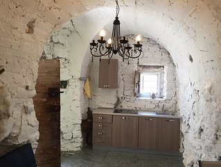 Apartment in stone house 15 minutes from the sea
