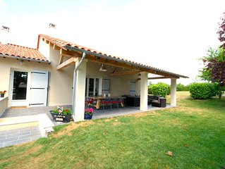 Charming villa with large secluded garden and heated private pool