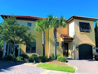 Beautifully Updated 4BR/4BA in Villa Lago with Free Wi-Fi and TWO Golf Carts!!