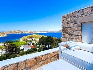 3 bedroom Villa, sleeps 6 with Pool and FREE WiFi