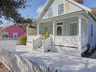 Charming Historic Southport Cottage!