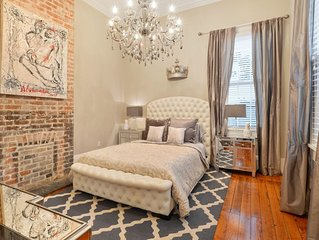 Garden District condo near the trolley line and St. Charles Ave!