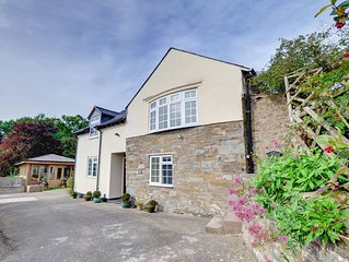 This smart cottage is situated adjacent to the owner's farmhouse and opposite a