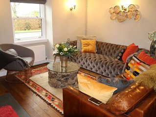 Boutique Hotel Luxury House with 3 double ensuite rooms in a lively village