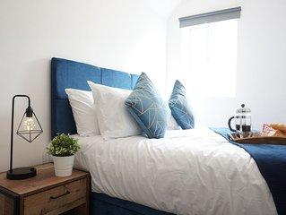 Loft Apartment Moseley w/ Parking + Nr City Centre