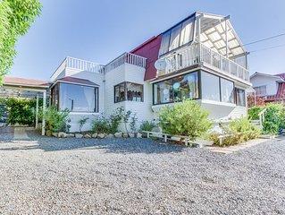 Encantadora casa con piscina y terraza - Charming house with pool and terrace