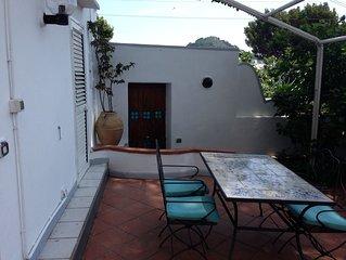 Capri, appartamento confortevole, panoramico, a 500 metri dalla Piazzetta