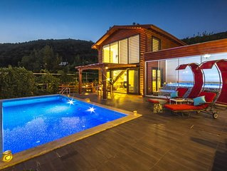 Perfect Secluded Honeymoon Villa for Two, with Heated Outdoor and Indoor Pool