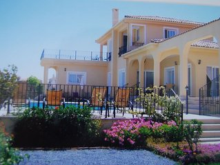 Villa with Private Pool and Beautiful Sea and Mountain Views