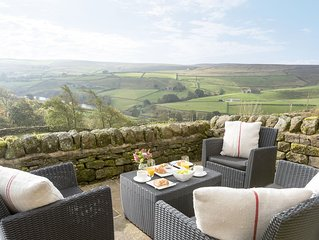 2 bedroom accommodation in Oldfield, near Keighley
