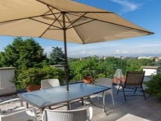 SPECTACULAR VIEW -COSY -EASY TO CITY CENTER -2nd floor 2 terraces