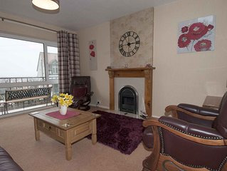 Town House with Views to the Great Orme, Wifi, Smart TV, Balcony