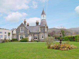 9 bedroom accommodation in Llanfairfechan, Conwy