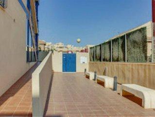 Apartamento con amplia terraza y vistas a Bahia de Mazarron