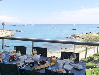 A luxury  apartment with stunning views over the bay of Antibes