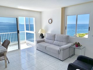 First line ocean view apartment