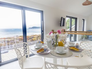 Amazing views over Beach and the sea.2 bedrooms
