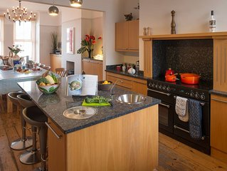 Anglesey House -  a pet friendly that sleeps 25 guests  in 9 bedrooms