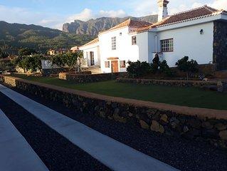 Tkasita Pilar 1 con Vistas al Parque de Taburiente. La Palma, Islas Canarias