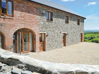 7 bedroom accommodation in Nr. Llandrindod Wells