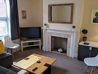 Pavilion House - Sleeps 8 ppl – Free 2 Car Parking