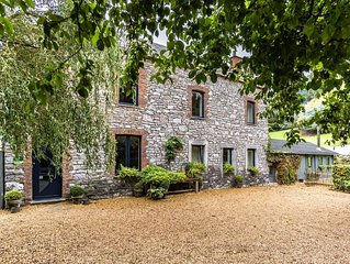 Une magnifique maison du terroir avec jardin de 3ha et animeaux de la ferme.