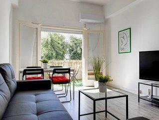 Stylish Apt. With A Sunny Balcony