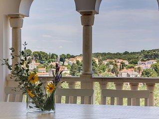 Spacious apartment Alma in Veli Losinj with WiFi, air conditioning, private terr