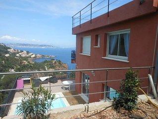 Villa  avec vue exceptionnelle sur la mer  attenante aux palais bulle