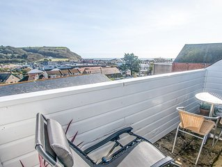 Stunning apartment,  secluded balcony, views to sea.