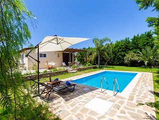 Rose Garden House  - Private pool - 5 mins walk from the beach