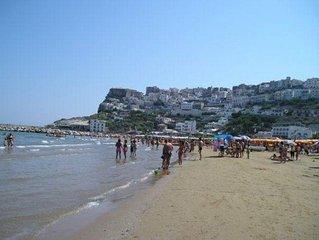Appartamenti in riva al mare forniti di tutte le necessità,forno,lavastoviglie