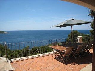 Villa  en front de mer dans domaine privé /presqu'ile de Giens/accés direct mer