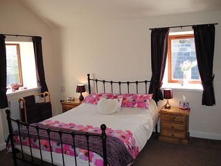 1 Bed Romantic Self Catering Cottage on a Working Yorkshire Farm