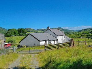 2 bedroom accommodation in Capel Curig, near Betws-y-Coed