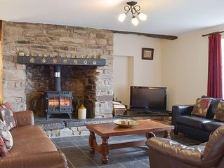 3 bedroom accommodation in Kidwelly