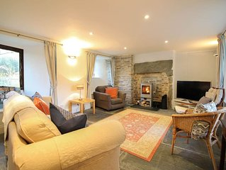 Fontevrault Cottage -  a holiday cottage that sleeps 6 guests  in 3 bedrooms