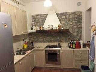 OFFERTA! 15/31 LUGLIO: 3000 € villa a 2 piani per 2/3 famiglie! 11 posti letto!!