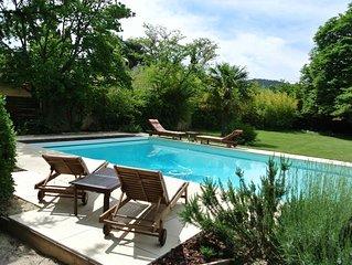 Au cœur de Vaison la Romaine, Maison de charme avec jardin et grande piscine