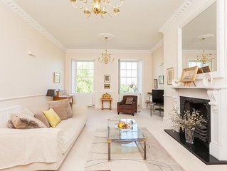 A spacious apartment for 4 in the centre of Bath
