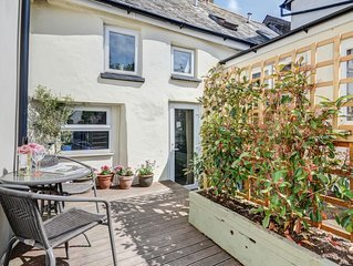 Button Cottage - Two Bedroom House, Sleeps 4
