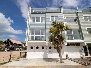 Bembridge Harbour 4 Bedroom Holiday Home With Great Marina And Sea Views