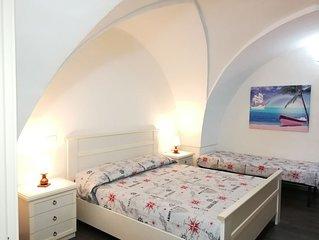 Spazioso e accogliente appartamento in centro di Gallipoli e a 200 m dal mare.