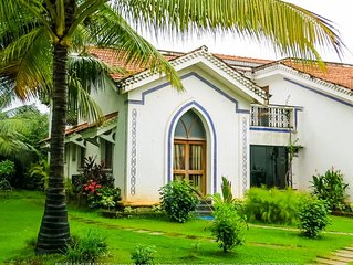 Luxurious Villa in a Beautiful Private Complex with Large Pool & Nearby Beaches
